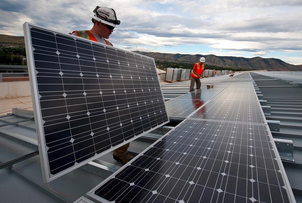 Keli paramos saulės elektrinėms variantai